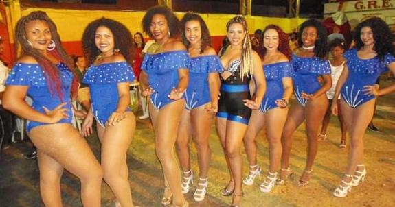 Passistas da Unidos da Ponte, show de muito samba e beleza