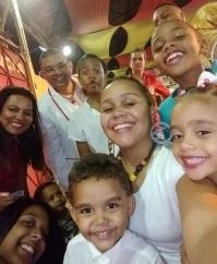 O intérprete oficial Márcio Oliveira, esposa, familiares e fãs